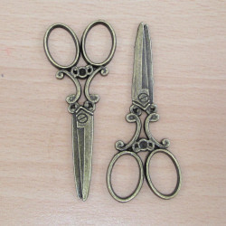 Scissor charms. Pack of 2