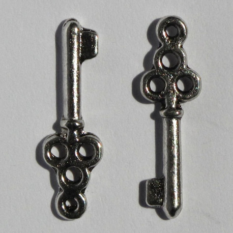 F8520 - Key Charm, Silver Coloured, Pack of 10.