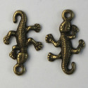 Gecko charm, antique brass coloured, pack of 10.