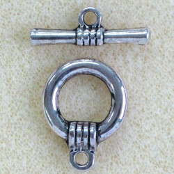 F4077 - Chunky, Silver Coloured Toggle Clasp, Pack of 1.