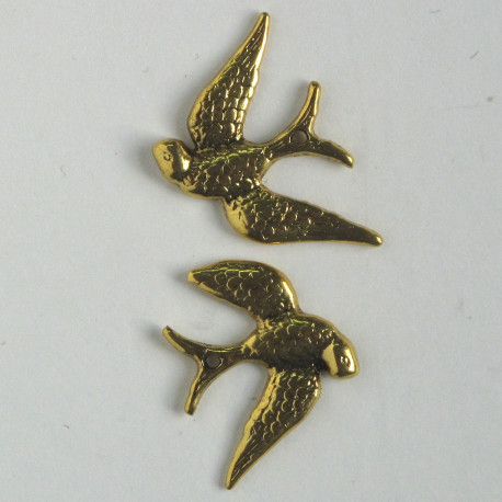 F8492g - Vintage Style Flying Swallow Charm, Gold Coloured, Pack of 4.