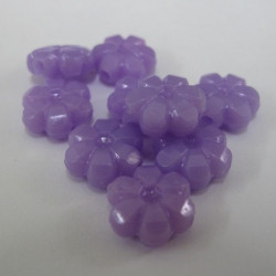 Purple acrylic flower beads. Pack of 20.