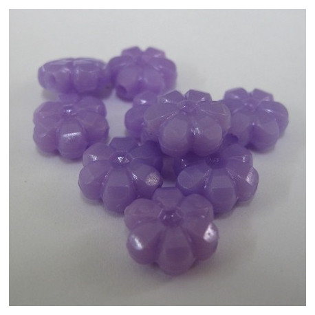 SALE38 - Purple acrylic flower beads. Pack of 20.