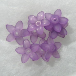 Lucite five pointy petals flower, purple. 17mm. Approx 28 per pack