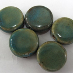 PC0020 - Porcelain green coin beads. Pack of 7