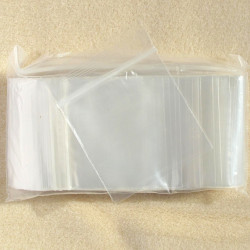 Resealable poly bags. Approx. 5.7 cm by 5.7 cm, pack of 100.