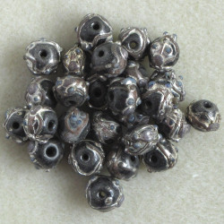 GB6023 - Grey / Black Wedding Cake Beads, Per Strand.