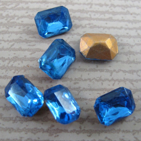 SALE186 - Chaton 8 x 6 octagon, blue. Pack of 10