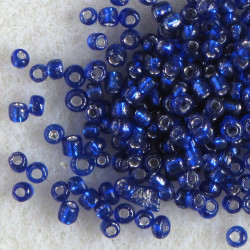 Size 11 silver lined, electric blue seed beads. Pack of 20g.