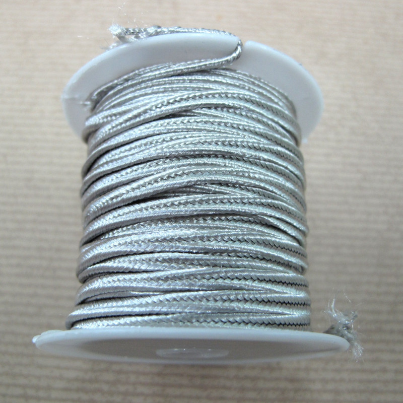 TH5050 - Pearly grey soutache braid. 4m on a spool.. This is approx ...