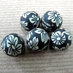 12mm black and white Fimo style bead. Pk of 10