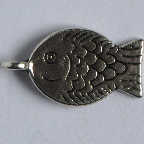 Smiling fish charm, pack of 6.