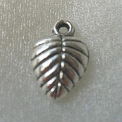 Leaf charm, approx 15mm x 10mm. Pack of 10
