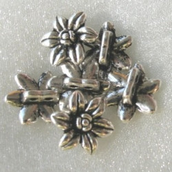 2 holed daisy bead, approx 15mm. Pack of 10.