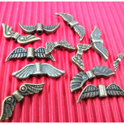 Mixed pack of 10 antique brass colour angel wings
