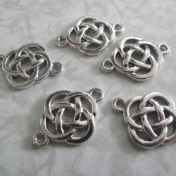 Pack of 6 celtic knot spacers