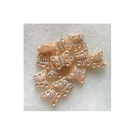 PB2502-Pearly beige acrylic butterly.  Pack of 20.
