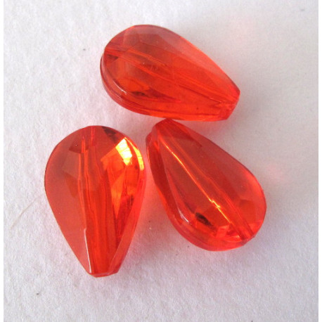 Red facet plastic drops. Approx 20x13mm. Pack of 10