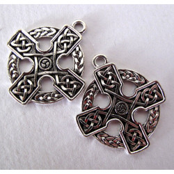 Celtic knot croass pendant, pack of 2