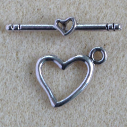 F4067S - Heart Shaped Toggle, Silver Colour. Pack of 1.