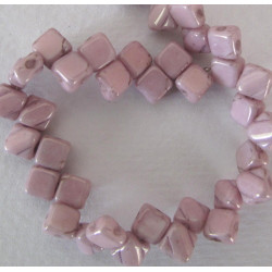 Silky beads, chalky lilac lustre, 1 strand
