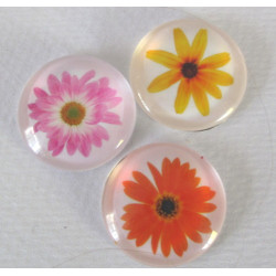 Glass cabochons, with flowers, pack of 3