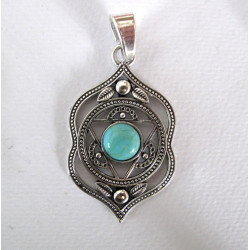 Pendant with turquoise colour stone
