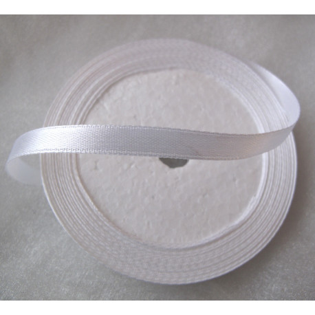 TH2006 - Satin style white ribbon. 25 yds roll.