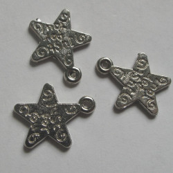 Star charm silver colour, approx 11mm. Pack of 10.