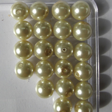 PL1002 - 10mm cream glass pearls