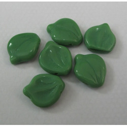 Green glass leaves. Pack of 10