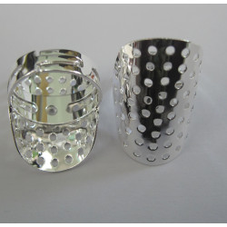 Sieve ring, silver colour.
