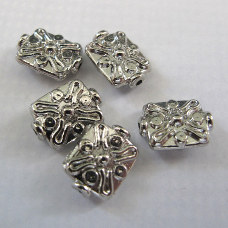 F4139 - Silvery squarish bead. Pack of 10