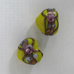 LW16 - Lampwork hearts. Pack of 2.