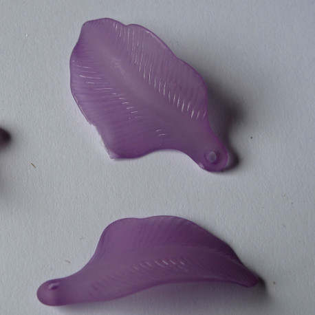 LF0703 - Purple Lucite Leaf. Size 30 mm by 15 mm.  Approx 15 per pack.