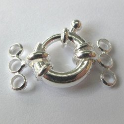Large bolt ring for 3 strand necklace, silver coloured.
