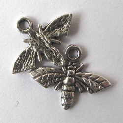 Bee charm. Pack of 10