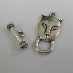 Cat toggle clasp. Pack of 10