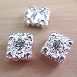 Diamonte style 2 hole spacer. Pack of 3