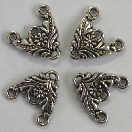 F9053 - 3 Hole Triangular Dangler, Embossed With A Pretty Floral Design. Pack of 4.