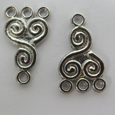 F9056 - Useful 3 to 1 loop link, Footprint Design, Silver Colour, Approx. 22 mm by 13 mm.